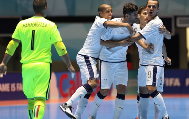 Kem xa dang cap, tuyen Futsal Viet Nam thua dam Paraguay hinh anh 6